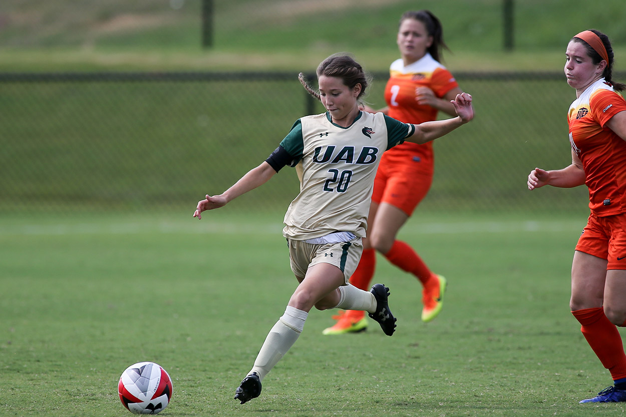 edee69e0b Green Leads UAB to Double Overtime Win at Furman - University of Alabama at  Birmingham Athletics